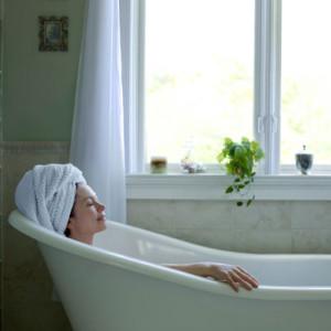 baie calda inainte de somn