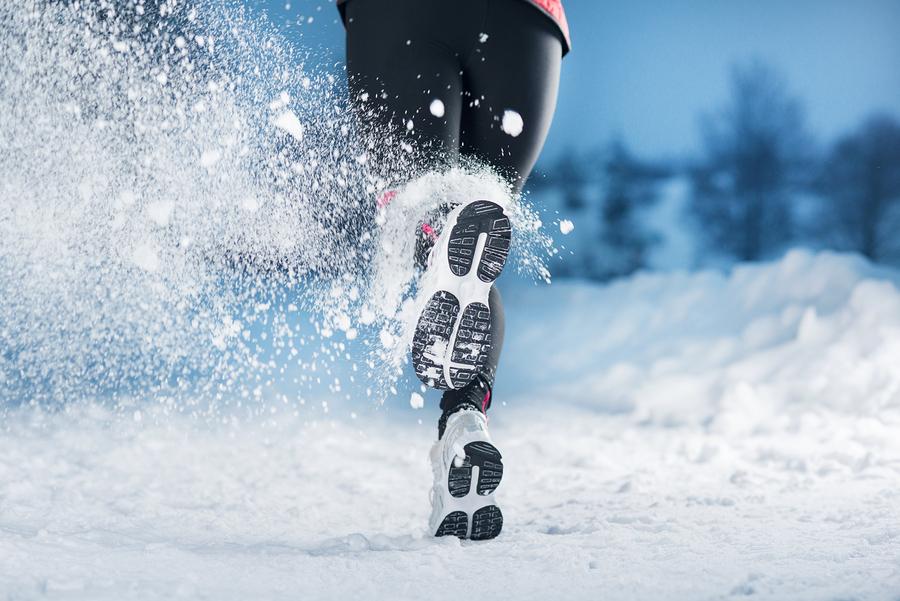 cum sa faci sport iarna, exercitii fizice sezonul rece, ramai activ chiar daca e frig