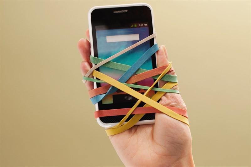 dependenta telefon, semne ca esti dependent de smartphone